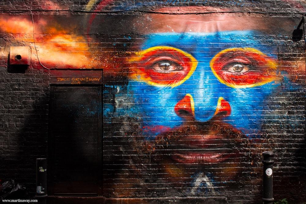 Street art by Dale Grimshaw a Brick Lane