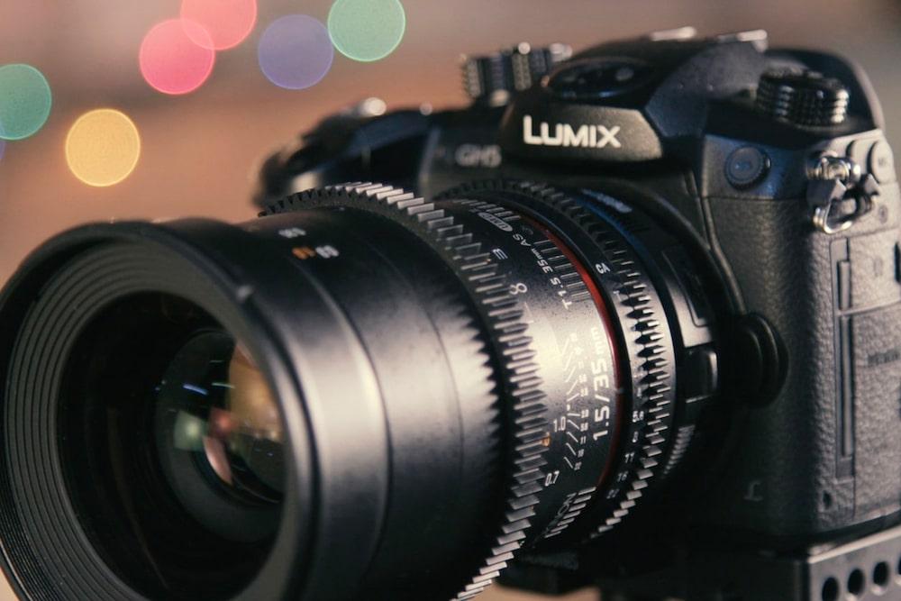 obiettivo fotografico focale mobile