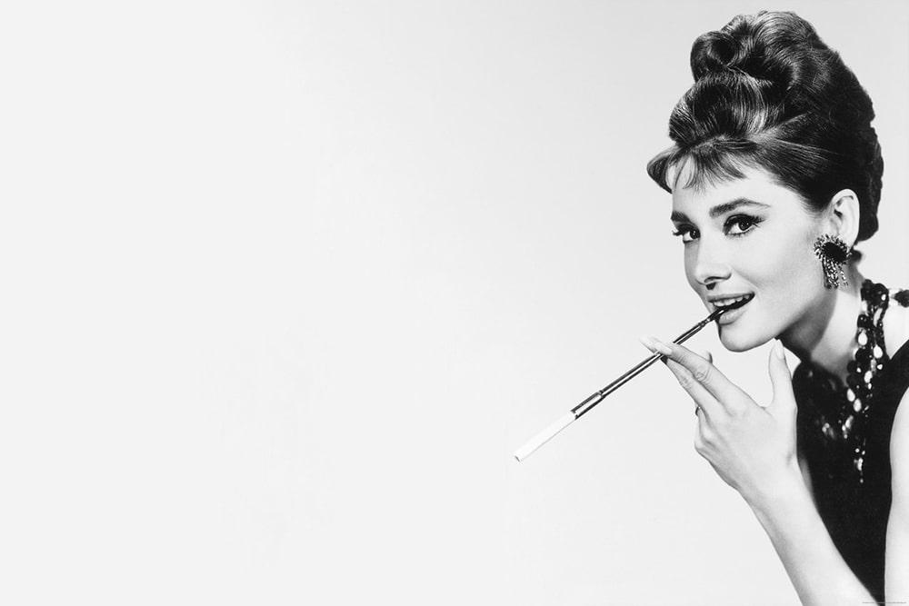Film di Audrey Hepburn per girare il mondo-min